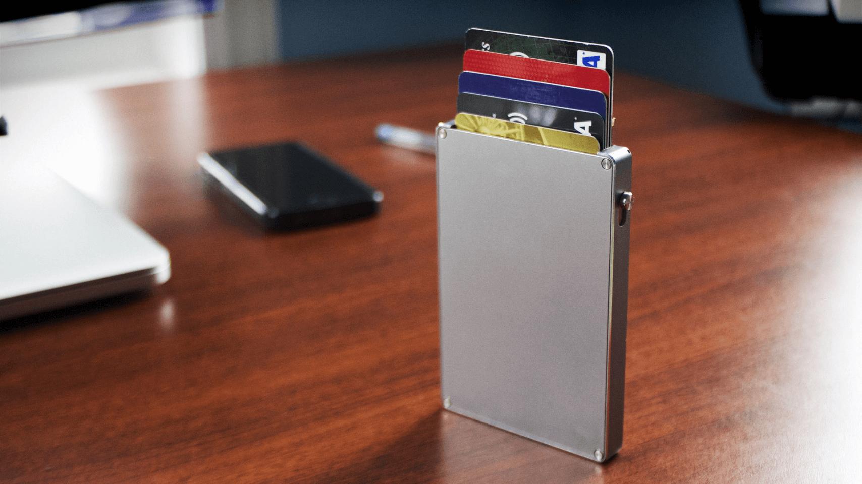 cascade-wallet-silver