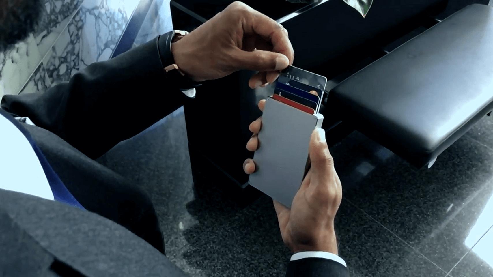 paiement de l'éjection de portefeuille en cascade adapté