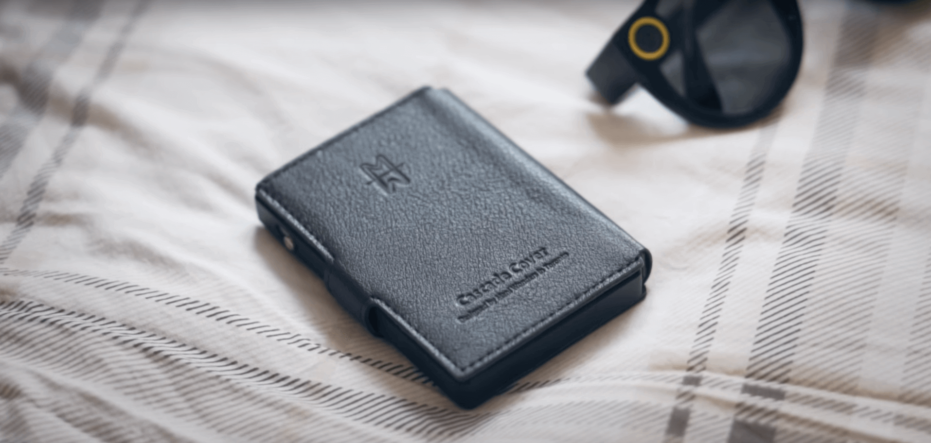 cascade wallet gunmetal and leather cover navy